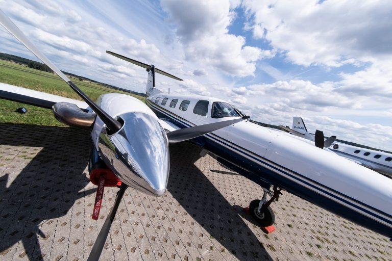 Luxus Flugzeug von vorne